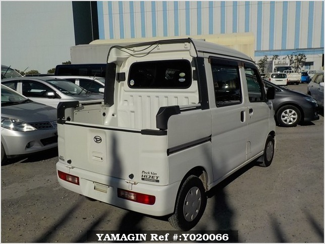 It is a picture of the white daihatsu hijet deck van in 2006,Sub Photo 2 Stock No.Y020066