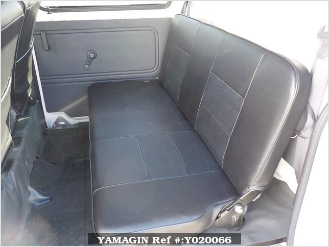 It is a picture of the white daihatsu hijet deck van in 2006,Sub Photo 12 Stock No.Y020066
