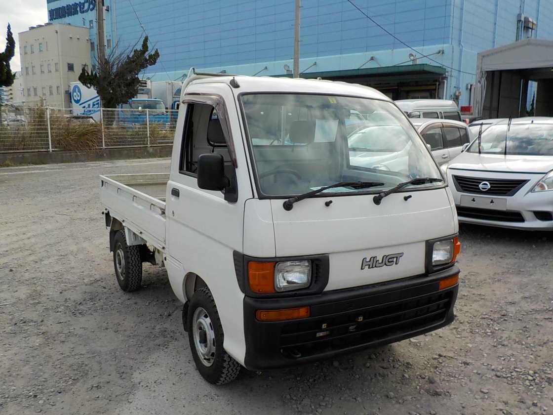 It is a picture of the white daihatsu hijet  truck in 1997,First Photo Stock No.Y020168