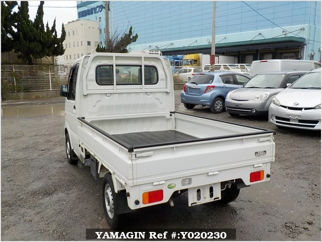 It is a picture of the white suzuki carry truck in 2009,Sub Photo 3 Stock No.Y020230