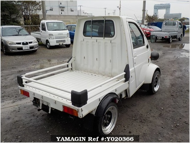 It is a picture of the  white   daihatsu midget ii truck in 1996,Sub Photo 2 Stock No.Y020366