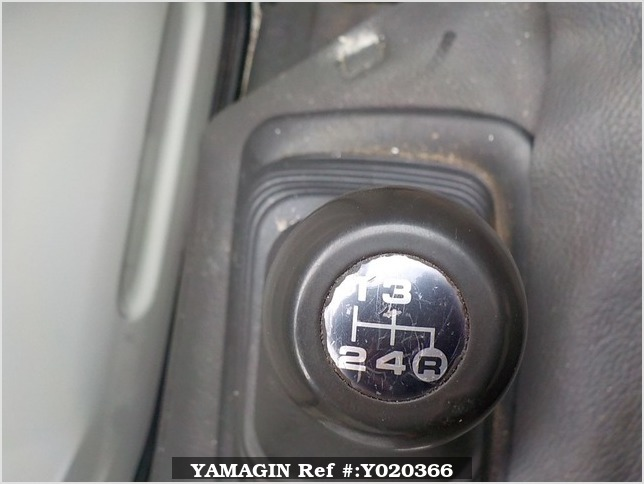 It is a picture of the  white   daihatsu midget ii truck in 1996,Sub Photo 5 Stock No.Y020366