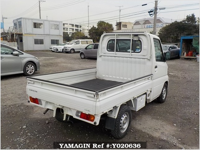 It is a picture of the white mitsubishi minicab truck in 2007,Sub Photo 2 Stock No.Y020636