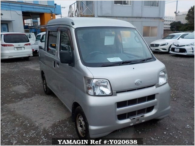 It is a picture of the silver daihatsu hijet deck van in 2006,Sub Photo 0 Stock No.Y020638