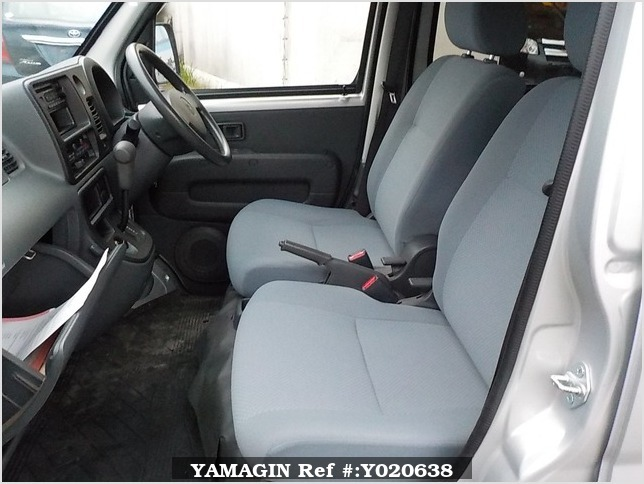It is a picture of the silver daihatsu hijet deck van in 2006,Sub Photo 10 Stock No.Y020638