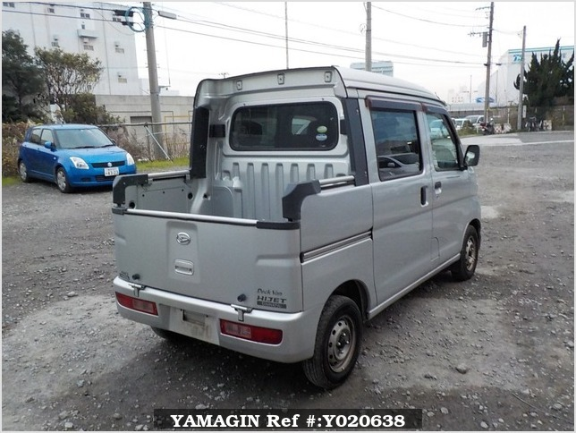 It is a picture of the silver daihatsu hijet deck van in 2006,Sub Photo 2 Stock No.Y020638