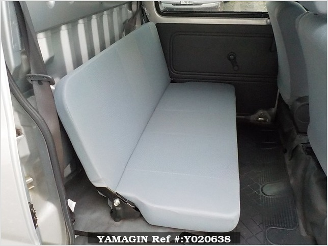 It is a picture of the silver daihatsu hijet deck van in 2006,Sub Photo 9 Stock No.Y020638