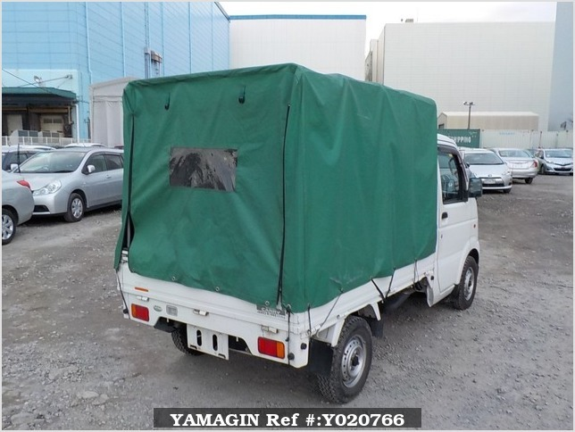 It is a picture of the white suzuki carry truck in 2003,Sub Photo 2 Stock No.Y020766