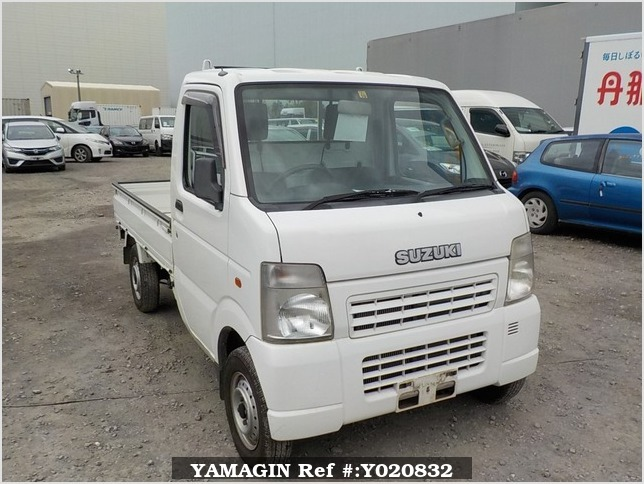 It is a picture of the white suzuki carry truck in 2005,Sub Photo 0 Stock No.Y020832