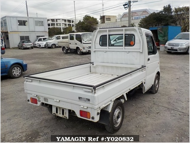 It is a picture of the white suzuki carry truck in 2005,Sub Photo 2 Stock No.Y020832