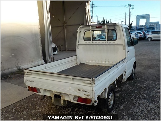 It is a picture of the white mitsubishi minicab truck in 1999,Sub Photo 2 Stock No.Y020921