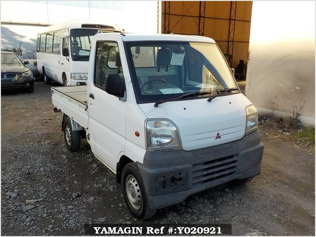 It is a picture of the white mitsubishi minicab truck in 1999,Sub Photo 0 Stock No.Y020921
