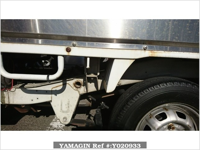 It is a picture of the white suzuki carry truck in 1990,Sub Photo 12 Stock No.Y020933