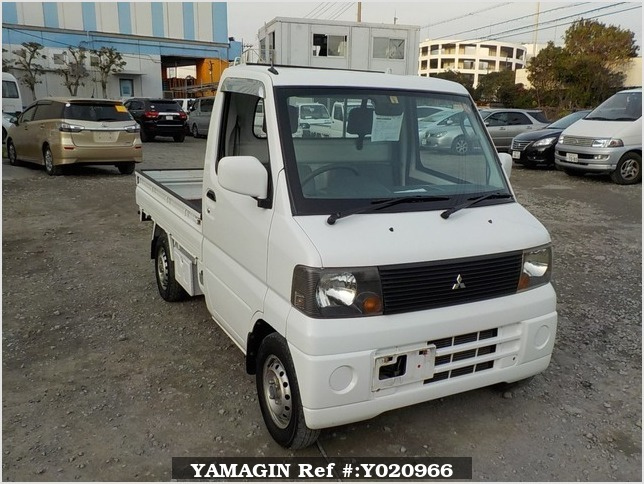 It is a picture of the white mitsubishi minicab truck in 2003,Sub Photo 0 Stock No.Y020966