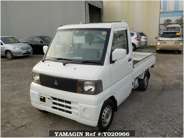 It is a picture of the white mitsubishi minicab truck in 2003,Sub Photo 1 Stock No.Y020966
