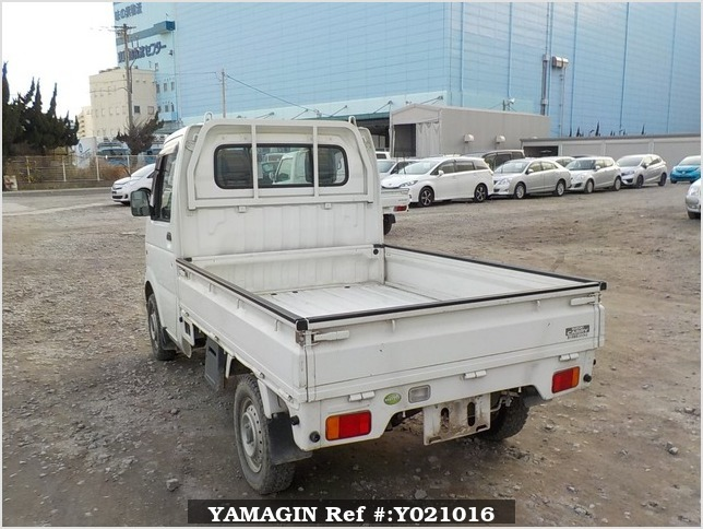 It is a picture of the white suzuki carry truck in 2007,Sub Photo 3 Stock No.Y021016