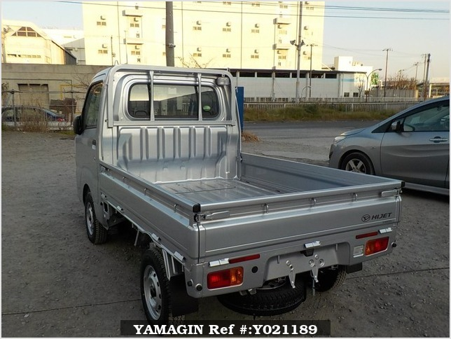 It is a picture of the silver daihatsu hijet truck in 2018,Sub Photo 3 Stock No.Y021189