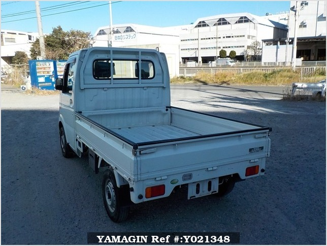 It is a picture of the white suzuki carry truck in 2006,Sub Photo 3 Stock No.Y021348