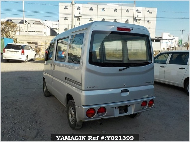 It is a picture of the silver mitsubishi minicab passenger van in 2002,Sub Photo 3 Stock No.Y021399