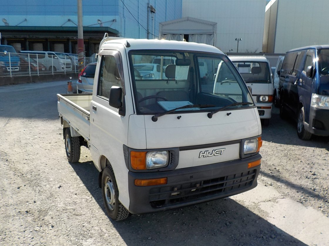 It is a picture of the white daihatsu hijet truck in 1997,First Photo Stock No.Y021451
