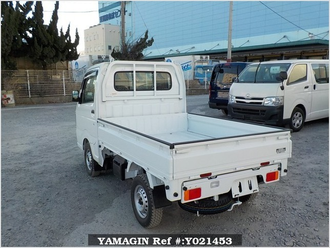 It is a picture of the white suzuki carry dump in 2018,Sub Photo 4 Stock No.Y021453