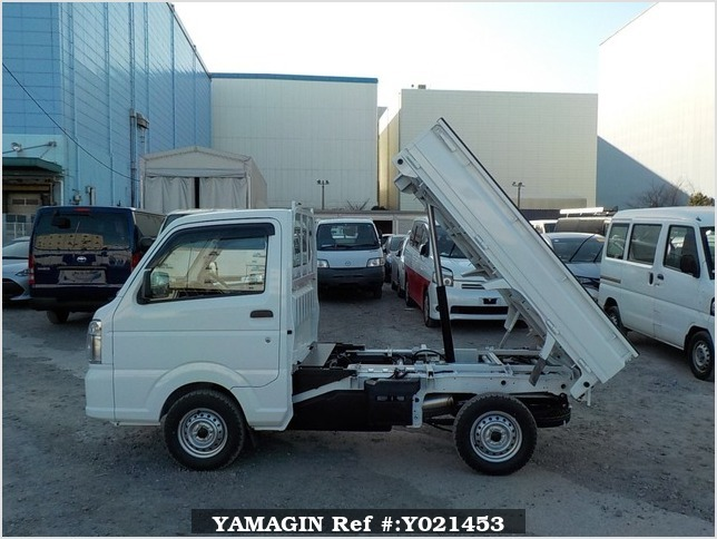 It is a picture of the white suzuki carry dump in 2018,Sub Photo 6 Stock No.Y021453