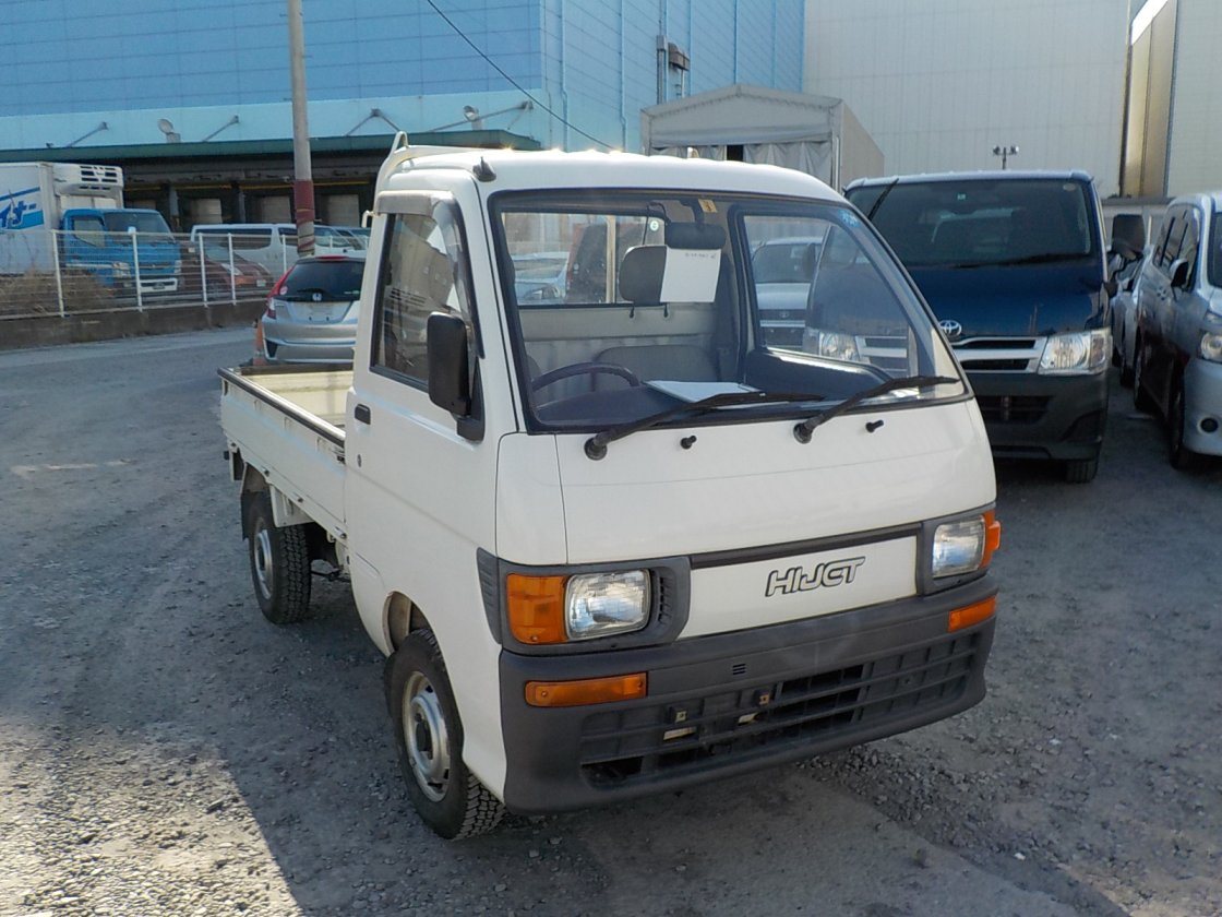 It is a picture of the white daihatsu hijet truck in 1994,First Photo Stock No.Y021532