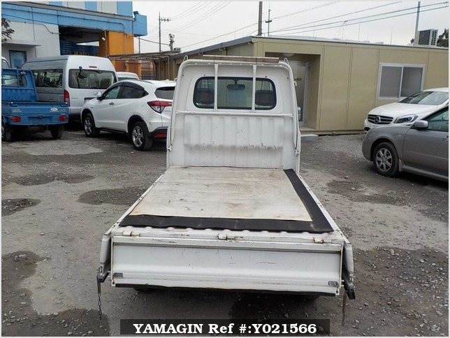 It is a picture of the white daihatsu hijet  truck in 1997,Sub Photo 4 Stock No.Y021566