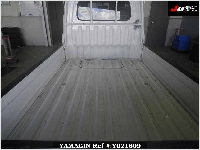 It is a picture of the white daihatsu hijet  truck in 1998,Sub Photo 10 Stock No.Y021609