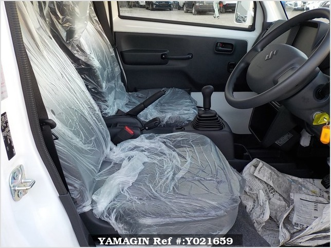 It is a picture of the white suzuki carry jumbo in 2018,Sub Photo 10 Stock No.Y021659