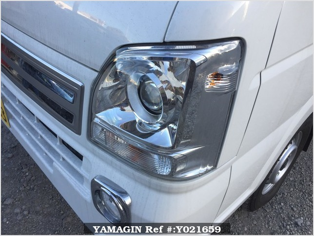 It is a picture of the white suzuki carry jumbo in 2018,Sub Photo 13 Stock No.Y021659