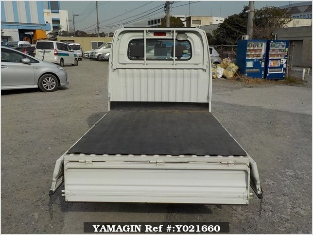 It is a picture of the white mitsubishi minicab truck in 2009,Sub Photo 4 Stock No.Y021660