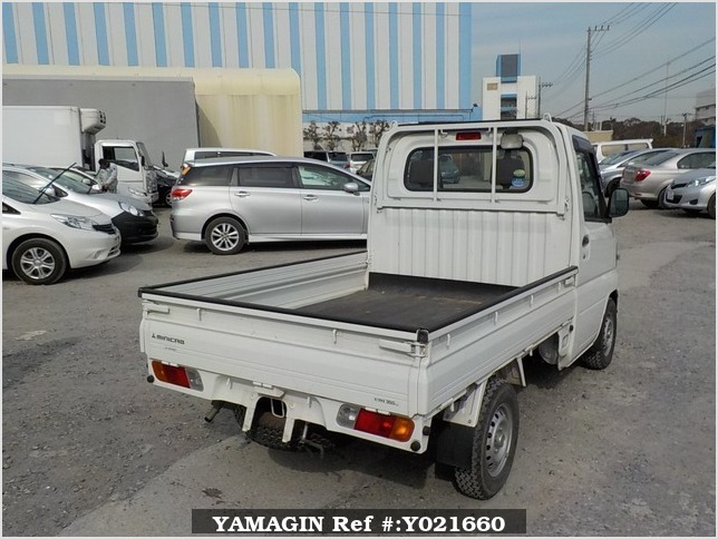It is a picture of the white mitsubishi minicab truck in 2009,Sub Photo 2 Stock No.Y021660