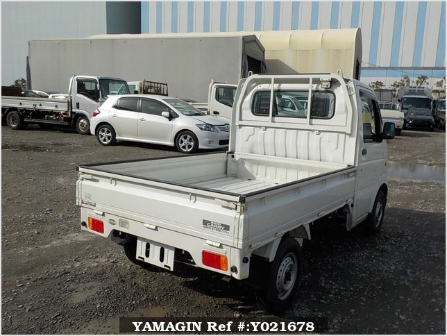 It is a picture of the white suzuki carry truck in 2003,Sub Photo 2 Stock No.Y021678
