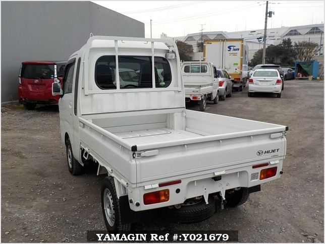 It is a picture of the white daihatsu hijet jumbo in 2017,Sub Photo 3 Stock No.Y021679