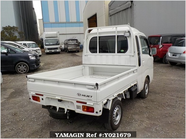 It is a picture of the white daihatsu hijet jumbo in 2017,Sub Photo 2 Stock No.Y021679