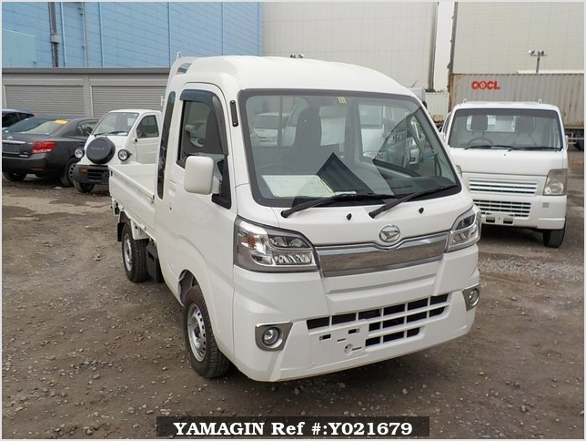 It is a picture of the white daihatsu hijet jumbo in 2017,Sub Photo 0 Stock No.Y021679