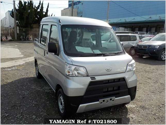 It is a picture of the silver daihatsu hijet deck van in 2018,Sub Photo 0 Stock No.Y021800