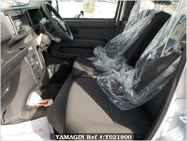 It is a picture of the silver daihatsu hijet deck van in 2018,Sub Photo 10 Stock No.Y021800