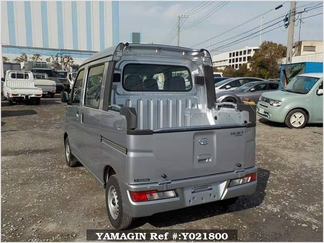 It is a picture of the silver daihatsu hijet deck van in 2018,Sub Photo 3 Stock No.Y021800