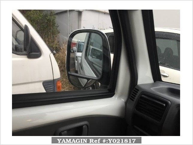 It is a picture of the white mitsubishi minicab truck in 2007,Sub Photo 12 Stock No.Y021817