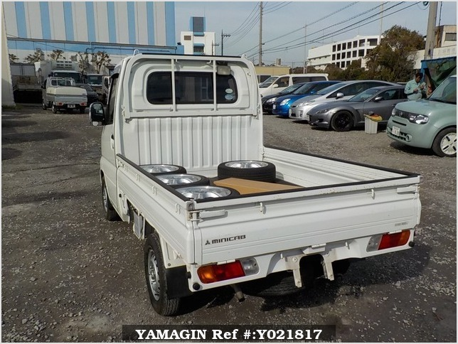 It is a picture of the white mitsubishi minicab truck in 2007,Sub Photo 3 Stock No.Y021817