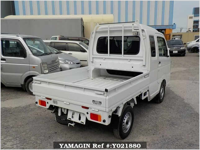 It is a picture of the white suzuki carry jumbo in 2018,Sub Photo 2 Stock No.Y021880