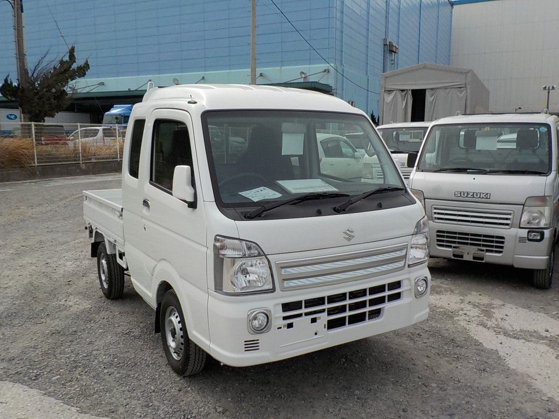 It is a picture of the white suzuki carry jumbo in 2018,First Photo Stock No.Y021880