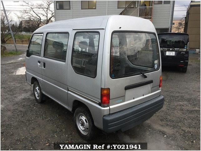 It is a picture of the silver subaru sambar passenger van in 1994,Sub Photo 3 Stock No.Y021941
