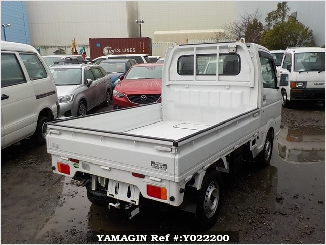 It is a picture of the white suzuki carry truck in 2017,Sub Photo 2 Stock No.Y022200