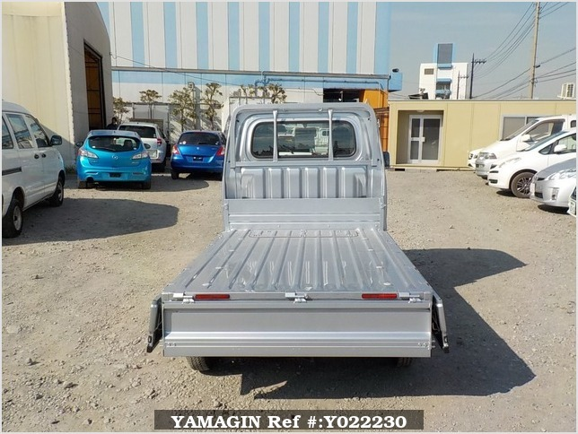 It is a picture of the silver daihatsu hijet dump in 2018,Sub Photo 5 Stock No.Y022230