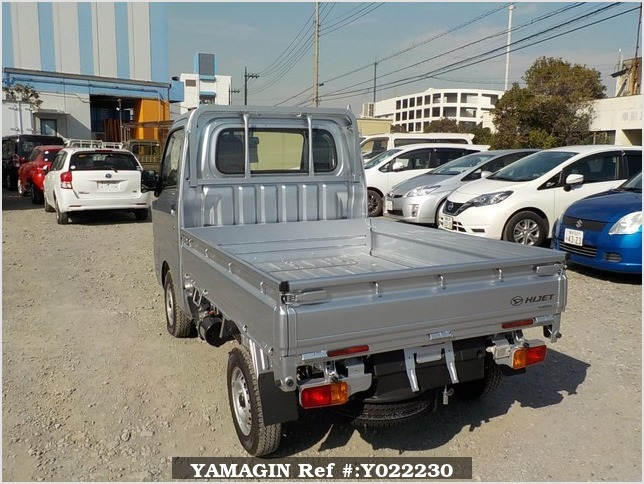 It is a picture of the silver daihatsu hijet dump in 2018,Sub Photo 4 Stock No.Y022230