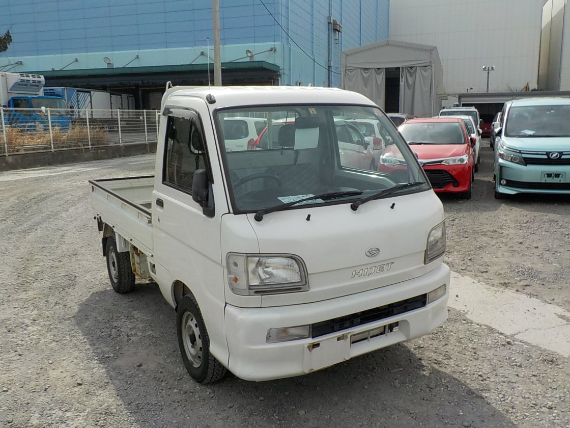 It is a picture of the white daihatsu hijet truck in 2003,First Photo Stock No.Y022231