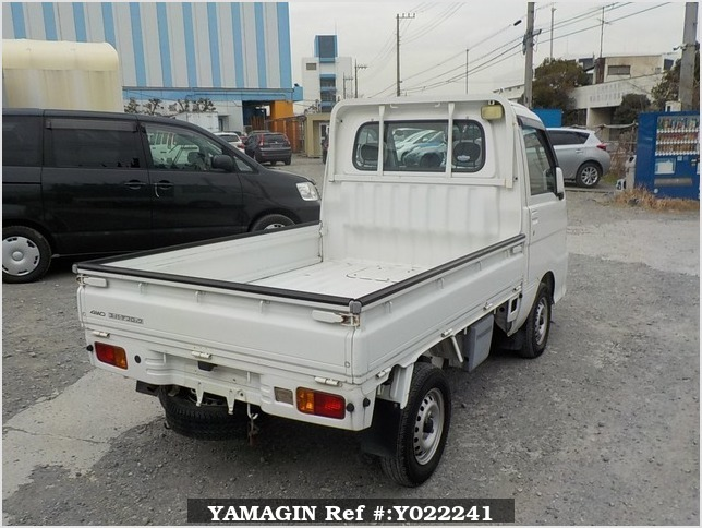 It is a picture of the white daihatsu hijet truck in 2005,Sub Photo 2 Stock No.Y022241